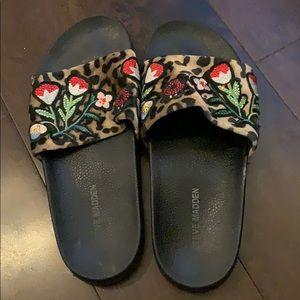 Steve Madden slipper style sandal